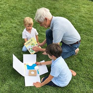 une boxpour occuper les petits enfants